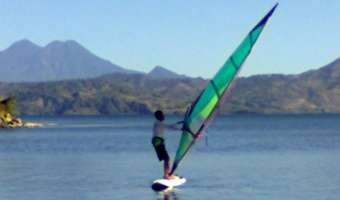 Lago de Ilopango – El Salvador [Video de Wind Surfing y Kitesurf]